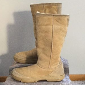 Ugg woman's size 10 boot.